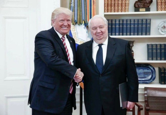 Kislyak and Trump picture